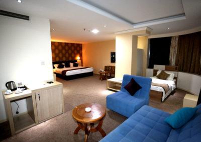 junior-suite-karwan-saray-hote